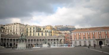 Piazza del Plebiscito e castelo