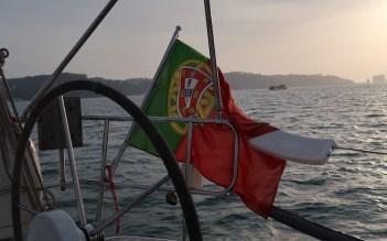 Passeio de barco no Rio Tejo