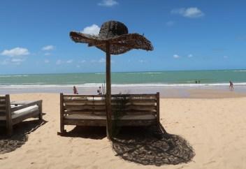 Cadeira em barraca chique na Praia dos Coqueiros