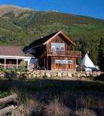 Twin Lakes Roadhouse Lodge & Cabins