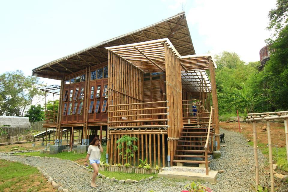 Bahay Kubo 'Kahit Munti' › Buensalido Architects