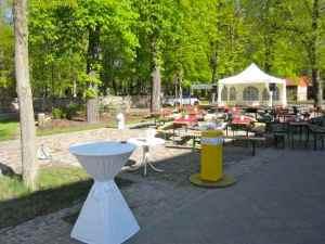 Ort des Bürgerfrühstück vor der Eröffnung  - alles ist bereit