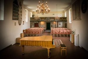 Der neue Steinway-Konzertflügel in der Schöneicher Schloßkirche