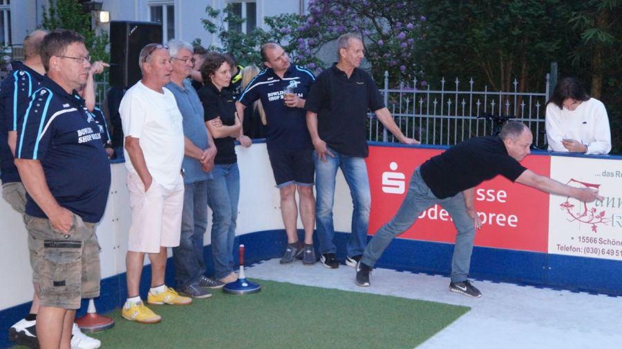 """Nahmen ebenfalls mit einem Firmenteam teil - Mannschaft """"Preuß & Reschke"""""""
