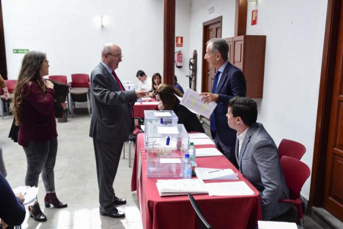 Abogados toledanos participan en las elecciones para elegir al nuevo decano
