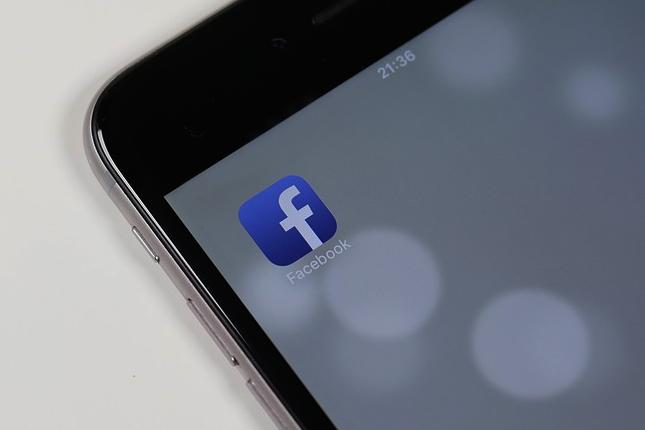 Condenada una mujer en Italia por publicar en Facebook fotos de su hijo menor