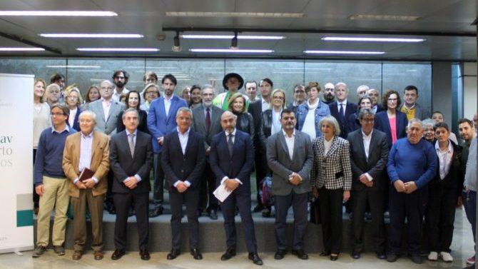 Colegio de Abogados de Valencia entrega 29 cheques solidarios