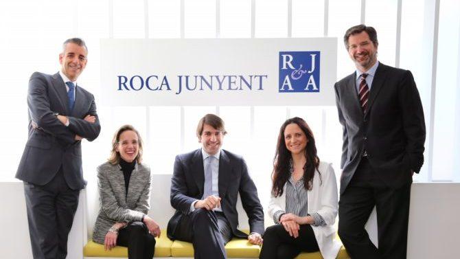 Roca Junyent promociona como nuevos socios a Roberto Vallina y Xavier Costa
