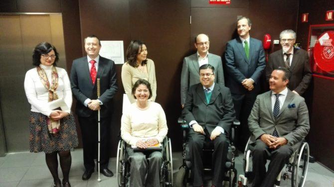 Abogacía Catalana pacta con COCEMFE en defensa de personas con discapacidad