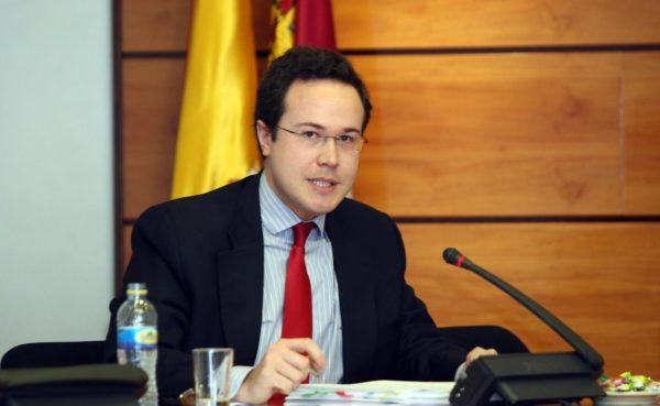 EY Abogados contrata a Luis Ques para sectores regulados