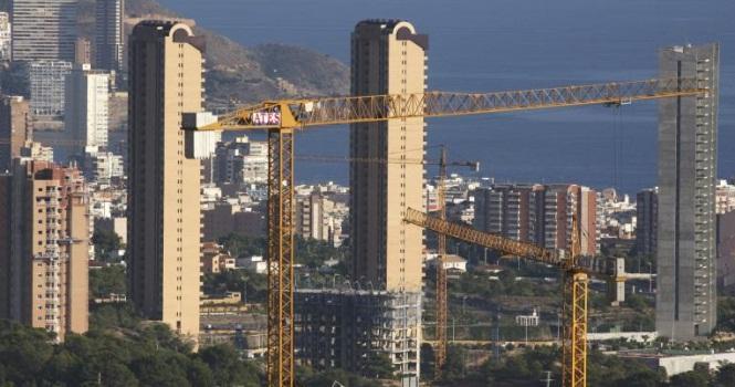 La dación de la vivienda en pago a un tercero está exenta de IRPF y Pluvalía