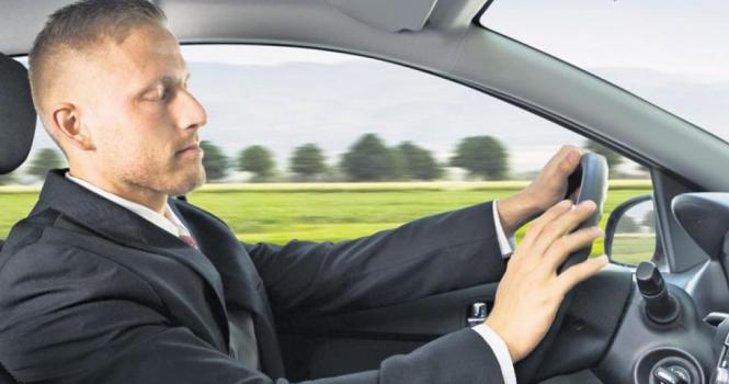 """Sentencia: """"No es causa de despido dormirse y siniestrar el coche de la empresa"""""""