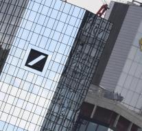 Deustche Bank y Commerzbank potencian su fusión con fuertes subidas