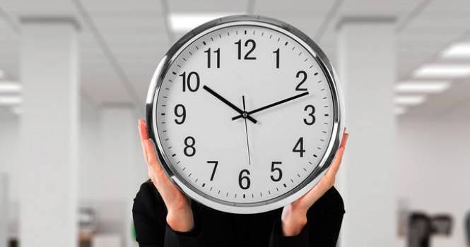 Ya se multa por incumplir el registro de horario