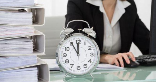 Empresa puede descontar salario por llegar tarde
