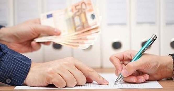 Cláusula abusiva de vencimiento anticipado no anula contrato