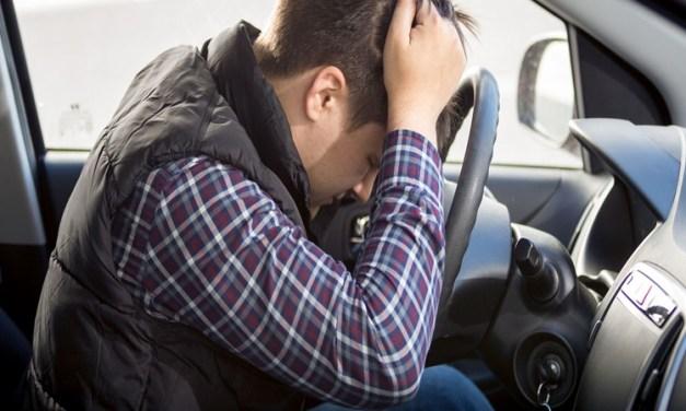 Es delito conducir sin puntos en el carnet