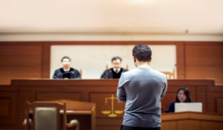 ¿Es obligatorio declarar en un juicio?