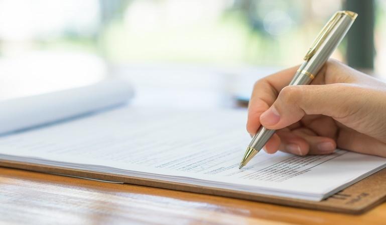 Hacer testamento en casa y sin notario