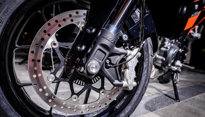 Consejos de mantenimiento para los frenos de tu moto