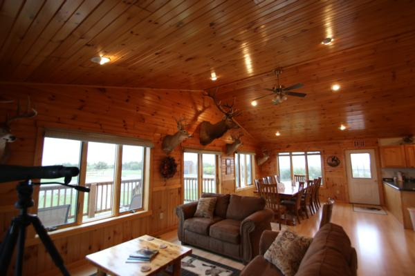 Private Hunting Lodge in South Dakota  First Class Luxury