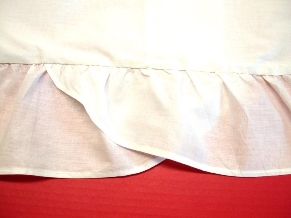 1 Ruffled Pillow Sham  White  Standard 20 x 26 w 5