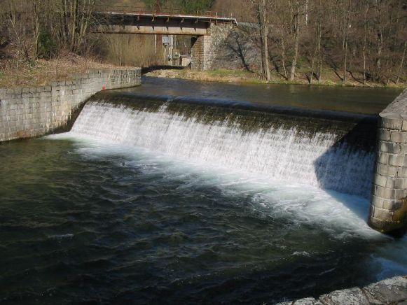 Jez Hanušovice - řeka Morava