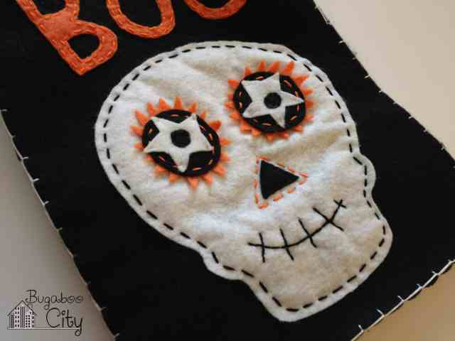 DIY Felt Treat Bag for Halloween!