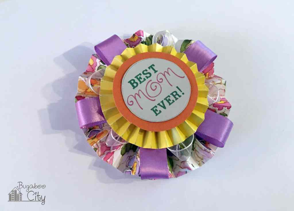 DIY Mother's Day Medallion Pin with free printable