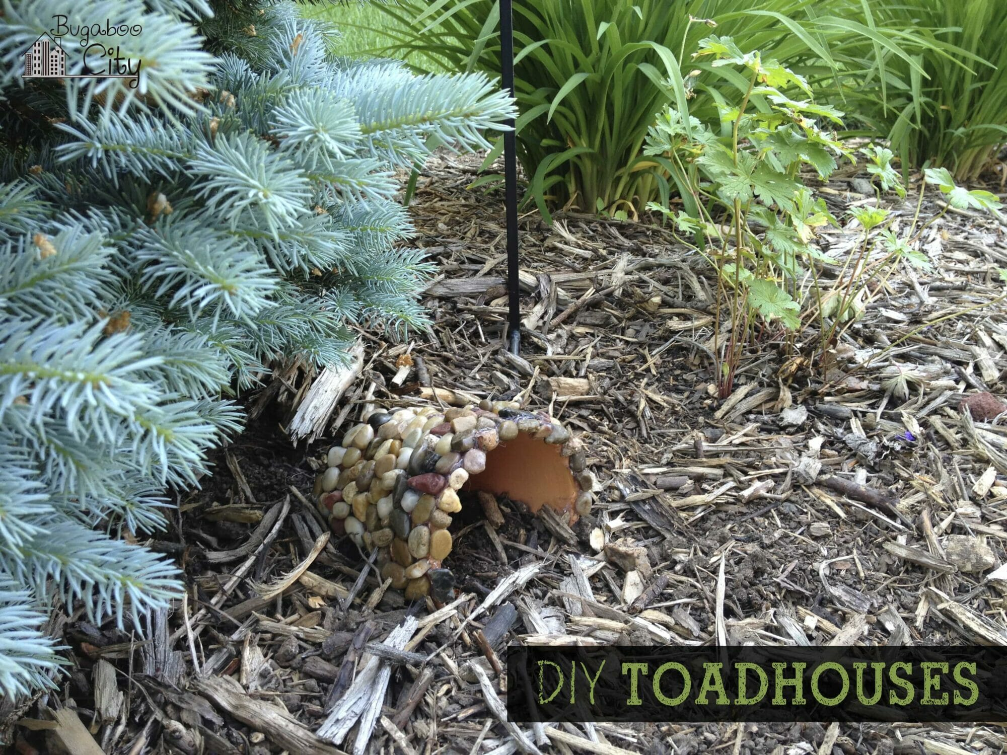Diy toad houses bugaboocity this fun diy project is perfect for a rainy afternoon toad houses and toad caves are a fun addition to any publicscrutiny Gallery