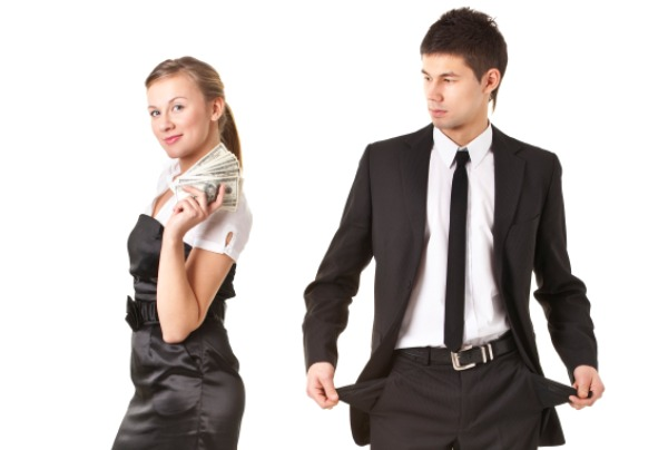 10-signs-that-will-tell-you-your-girlfriend-is-using-you-for-money