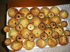 Banana muffins and coconut macaroons