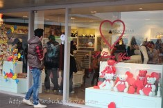 Teddy bear shop... all about love!