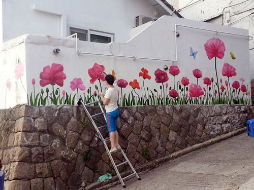 Murals in seoul hongdae hoegi and ihwa village for Mural village