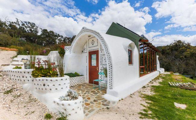 Cette Maison Australienne Combine Earthship Et Tiny House