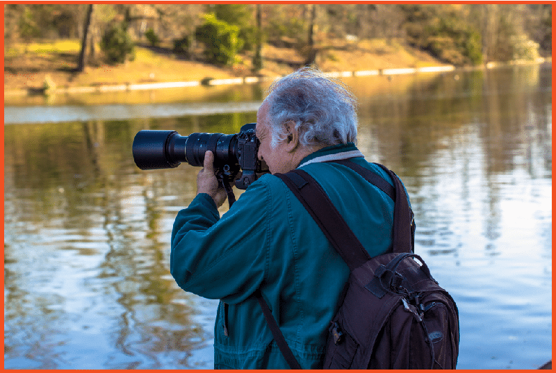 Make Money Taking Pictures - Take on Freelance Assignments with Newspapers