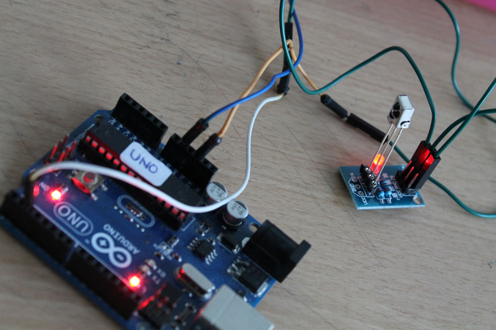 How to use infrared module with Arduino | BuildCircuit COM