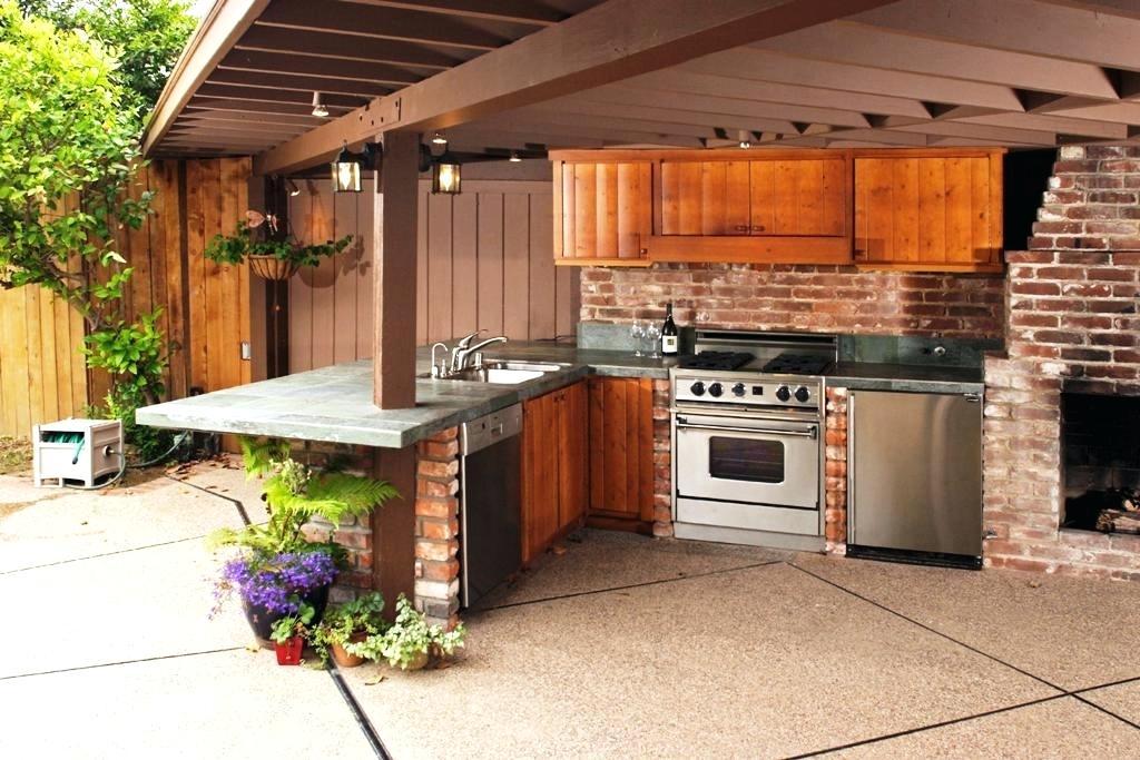 outdoor kitchen backsplash ideas and
