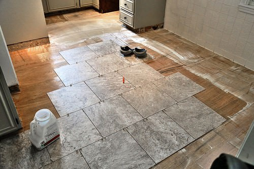 How to Deal with 3 Common Vinyl Flooring Problems