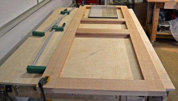 tips membeli pintu kayu