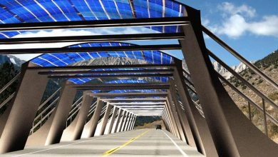 jalan raya beratap listrik tenaga surya