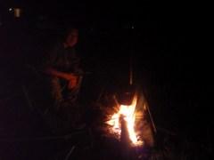 七入オートキャンプ場で焚き火