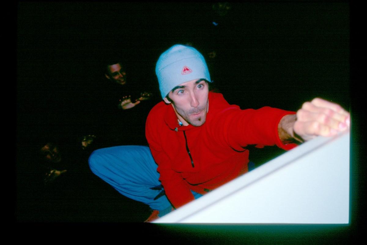 SteveZ on Pool Door. Comp 3, Apr 2005.