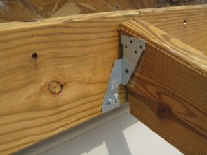 Missing fasteners Unnailed Rafter Tie