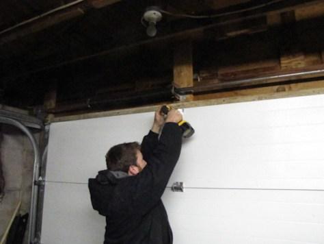 installing the door Genie PowerMax 1500