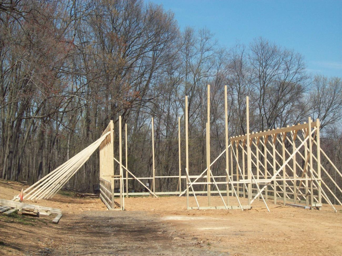 hight resolution of pole barn frame during construction