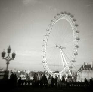 Byron Baldwin: Millennium Wheel, London (date: 2002)