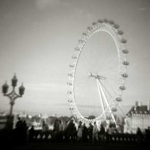Byron Baldwin: Millennium Wheel, London (date: 2002)