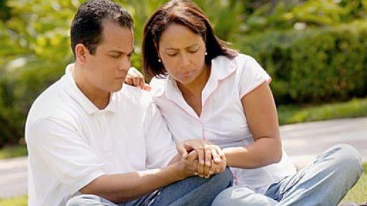 couple praying 2