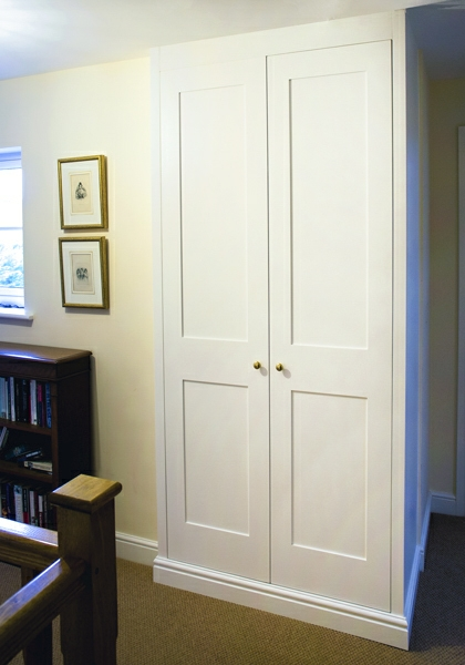 Gorgeous Built In Shaker Wardrobes For Timeless Look